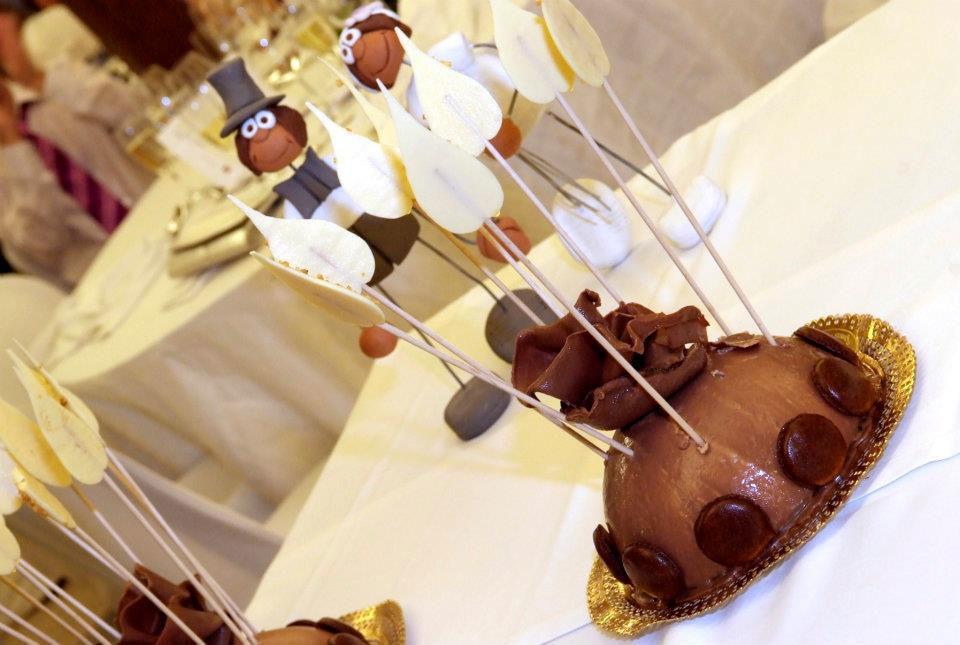 El Teatre Catering  Cúpula de tres chocolates, Pastel  de bodas