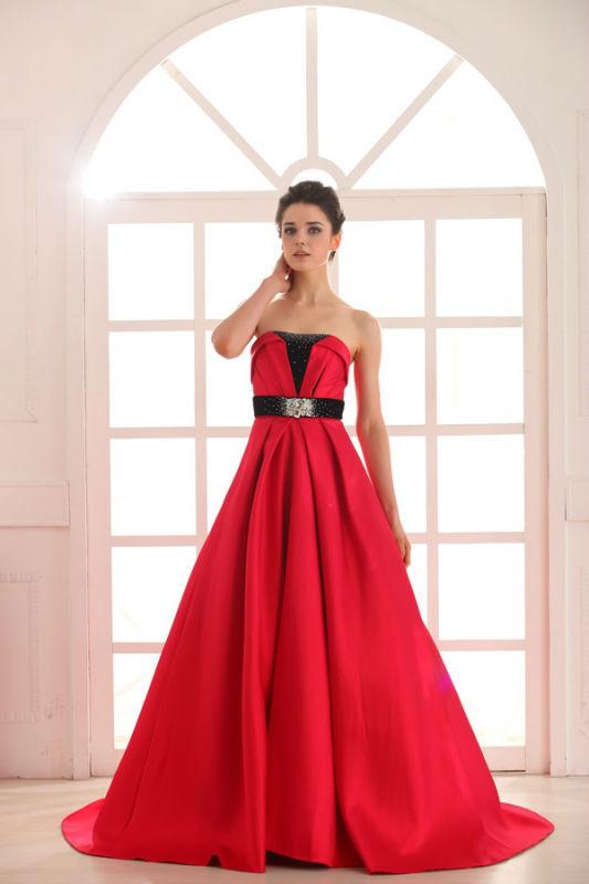 Beispiel: Kleider die begeistern, Foto: Prinzessin Abendmode.