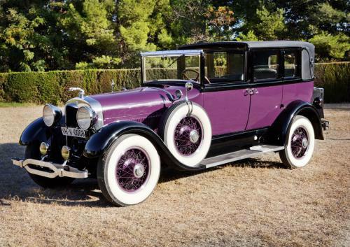 1927 Lincoln limousine