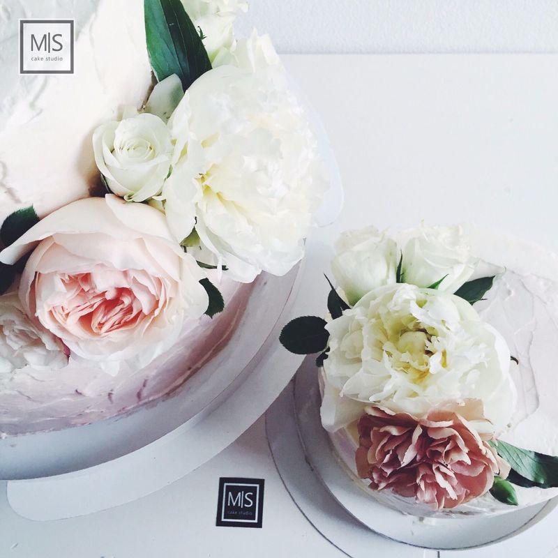 M S cake studio    l o v e    палитра пастельных оттенков,самые прекрасные цветы и работа на одном дыхании-волшебство в каждой детали..получился безумно красивый свадебный сет