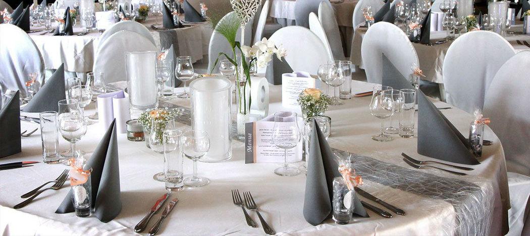 Beispiel: Hochzeitsgedeck, Foto: Tafelfreuden.