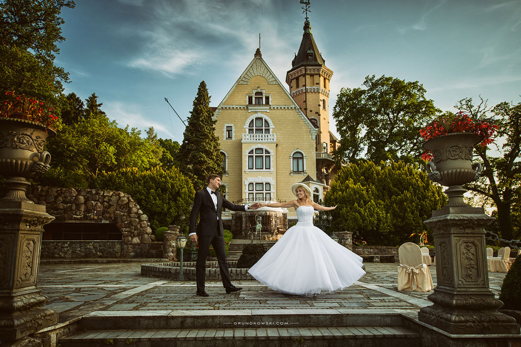Portret ślubny w ogrodach Hotel Bursztynowy Pałac