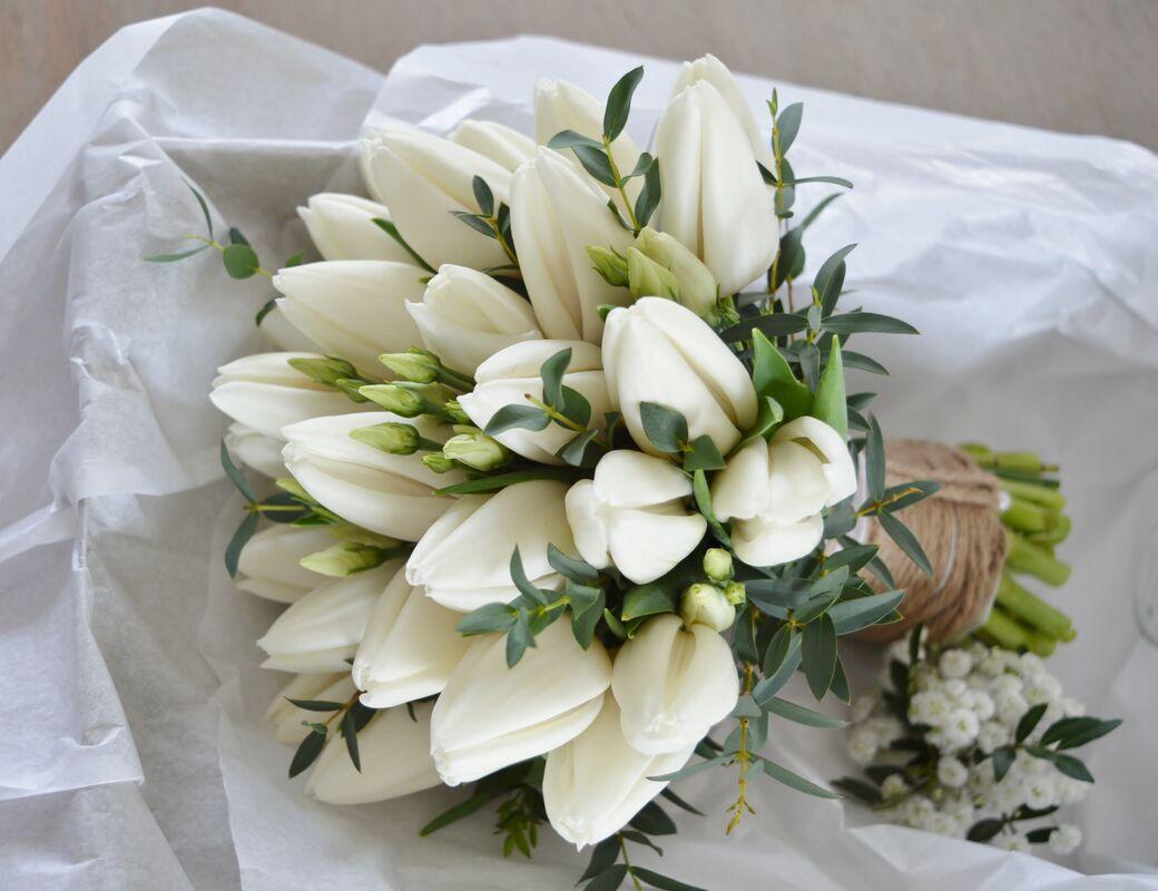 Bouquet de mariée tulipes blanches
