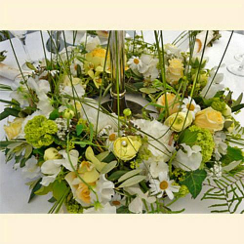 Beispiel: Tischdekoration, Foto: Blumen Mardt.