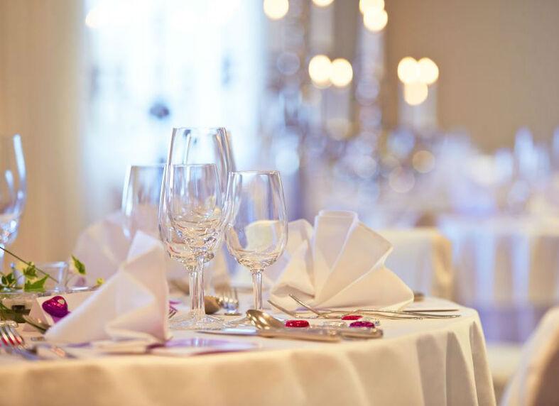 Beispiel: Tischdekoration, Foto: Hotel Landgasthof Wassberg.
