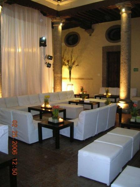 Montaje de recepción estilo lounge - Foto Dinara Banquetes