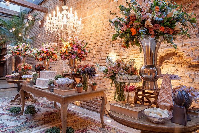 Espaço Festivo Hall de Entrada Mesa de doces e bem casados