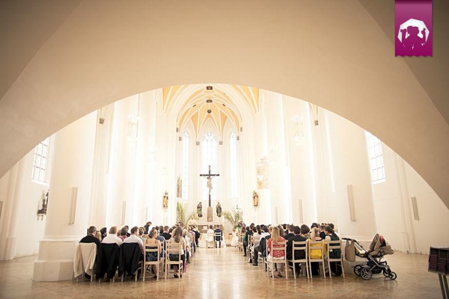 Beispiel: Fotos von der Trauung, Foto: Stare Weddings.
