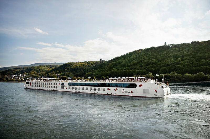 Beispiel: Kreuzfahrtschiff unterwegs, Foto: A-Rosa.