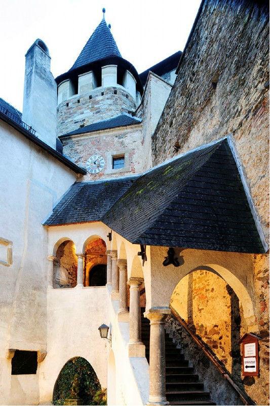 Beispiel: Ritterburg, Foto: Ritterburg Lockenhaus.