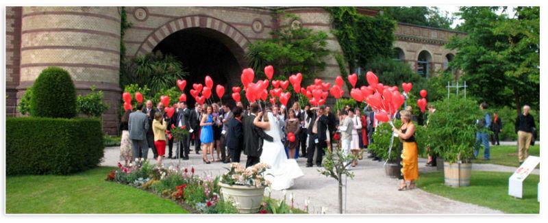 Beispiel: Hochzeitsgesellschaft, Foto: Badische Weinstuben.
