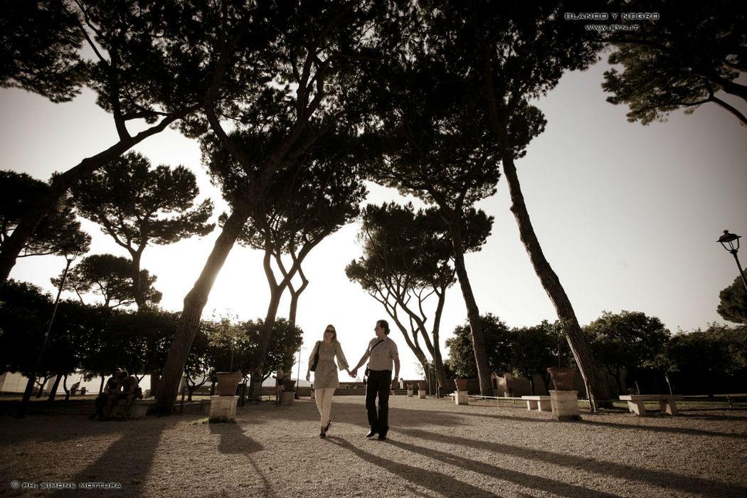 Blanco y Negro fotografi matrimonio Roma
