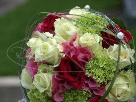 Beispiel: Wunderschöner Brautstrauß, Foto: Deko & Design.