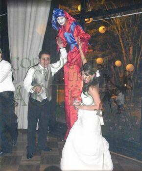 Tu boda debe ser un acontecimiento que nadie debe olvidar por eso contamos con diversos shows y personajes que pueden hacer de tu evento el mejor.
