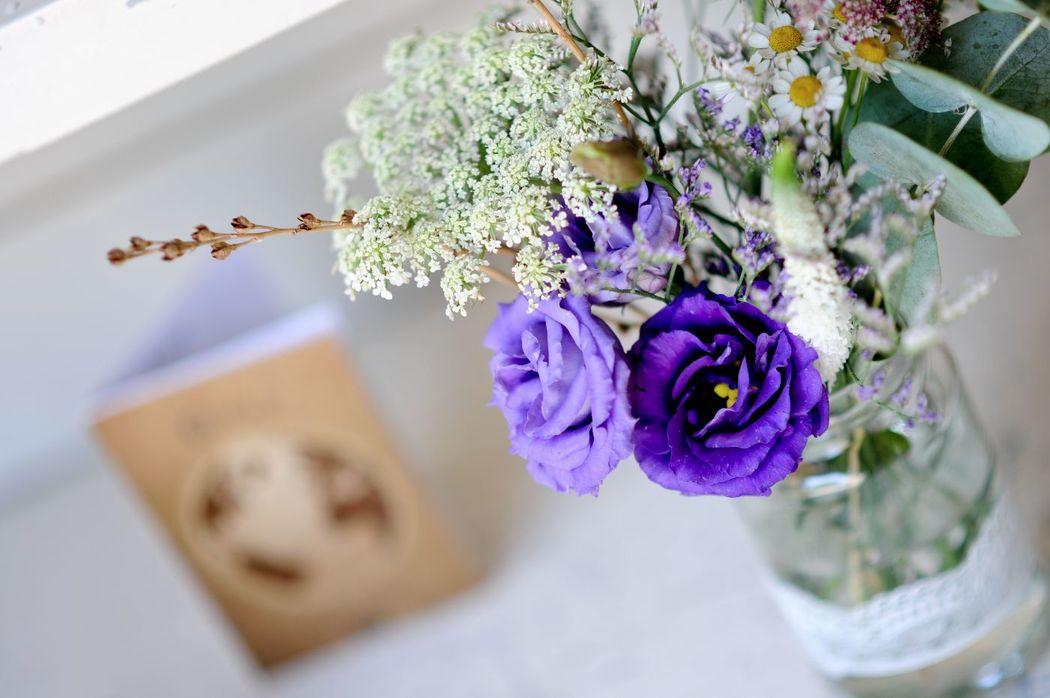 Mini bouquet d'ambiance.  Création florale Les Fées Nature