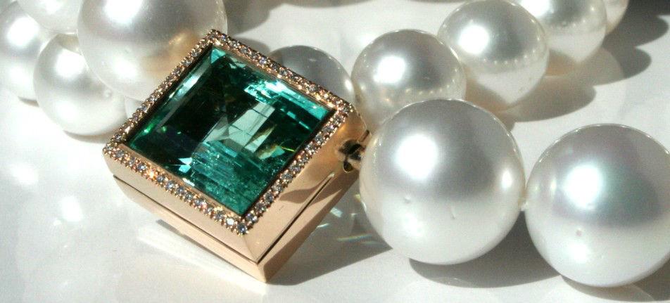 Beispiel: Halsketten, Foto: Juwelier Theobald.