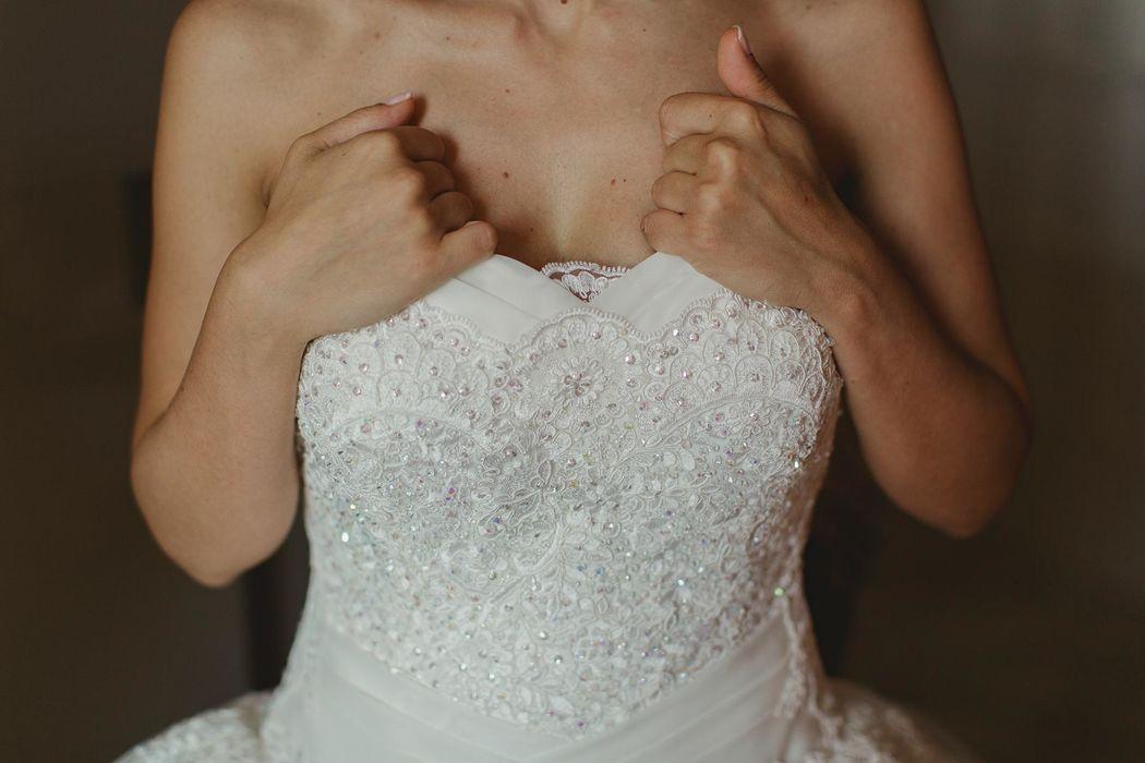 angel angelaphoto wedding in italy destination wedding couple elegant matrimonio sud italia basilicata romantico  preparativi sposa