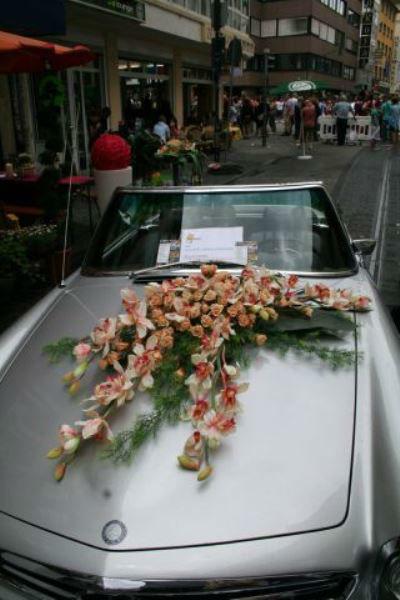 Beispiel: Florale Dekoration für Ihren schönsten Tag, Foto: Georgs Blumen.