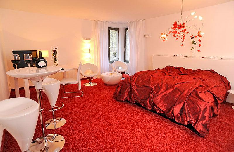 Beispiel: Rosenzimmer, Foto: Hotel VIVA CREATIVO.