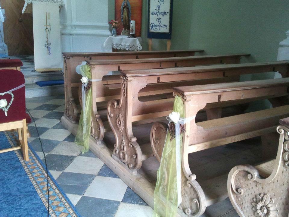Beispiel: Dekoration für die Kirche, Foto: Festdeko.