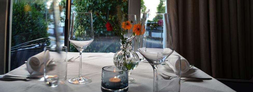 Beispiel: Tischgedeck, Foto: Hotel Restaurant Tandreas.