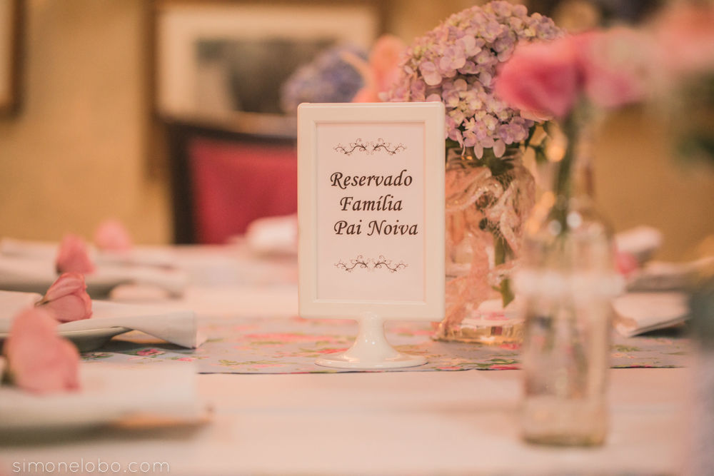 Mini Wedding Bistrô Ruella Projeto e Execução: Leivas & Lourenço Wedding por Luciana Lourenço e Denise Leivas Fotografia: Simone Lobo