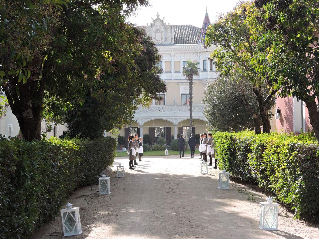 Entrada al Castillo de Viñuelas
