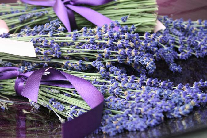 Beispiel: Innovative Ideen für Ihre Hochzeitdekoration, Foto: Marsano Blumen.
