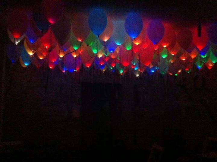 Largadas de balões luminosos