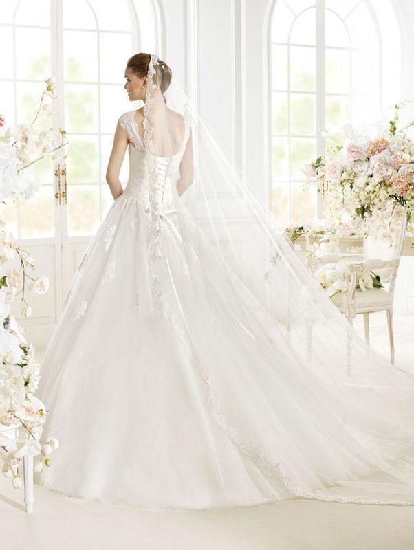 Beispiel: Brautkleider zum Wohlfühlen, Foto: Wedding Center Wien.