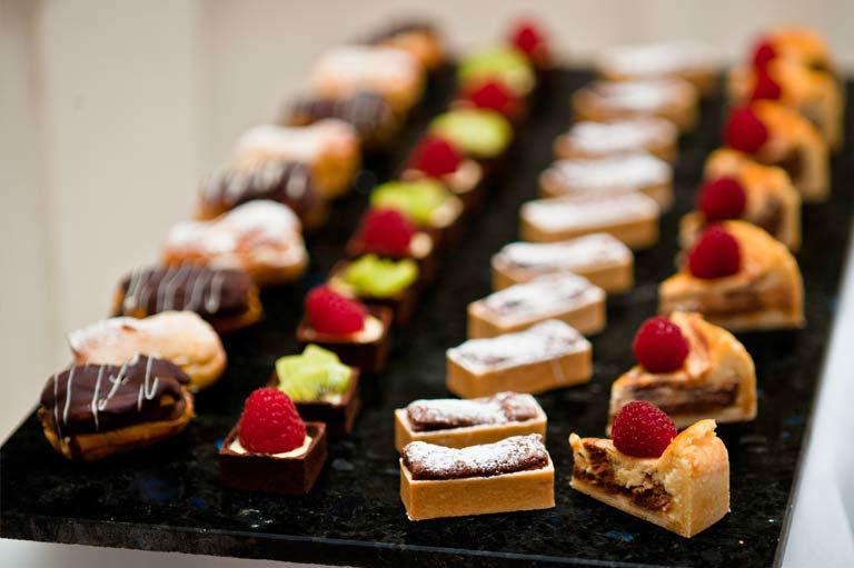 Beispiel: Buffet, Hotel Eden au Lac.