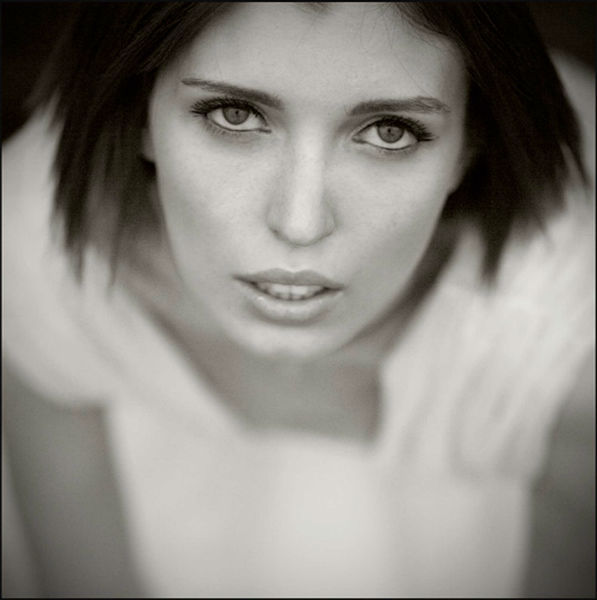 Indigo White by Alessandra Biagioli