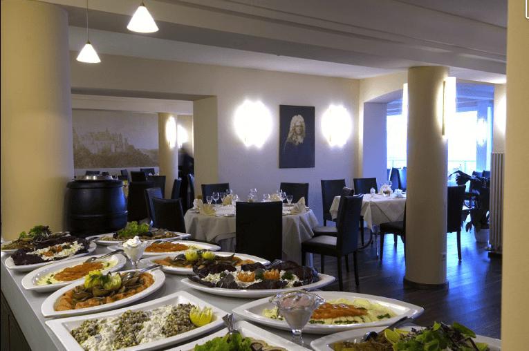 Beispiel: Buffet, Foto: Schlossberg-Hotel Homburg Saar.