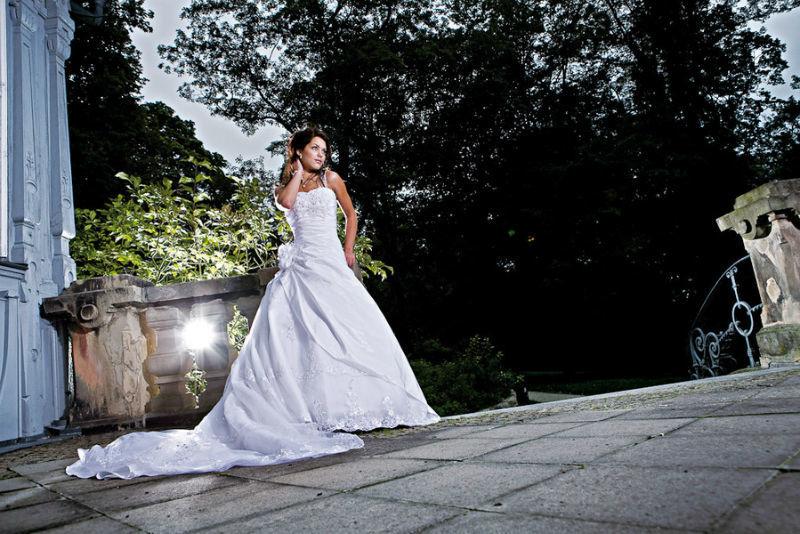 Beispiel: Traumkleider für die Braut, Foto: K. For Bride.