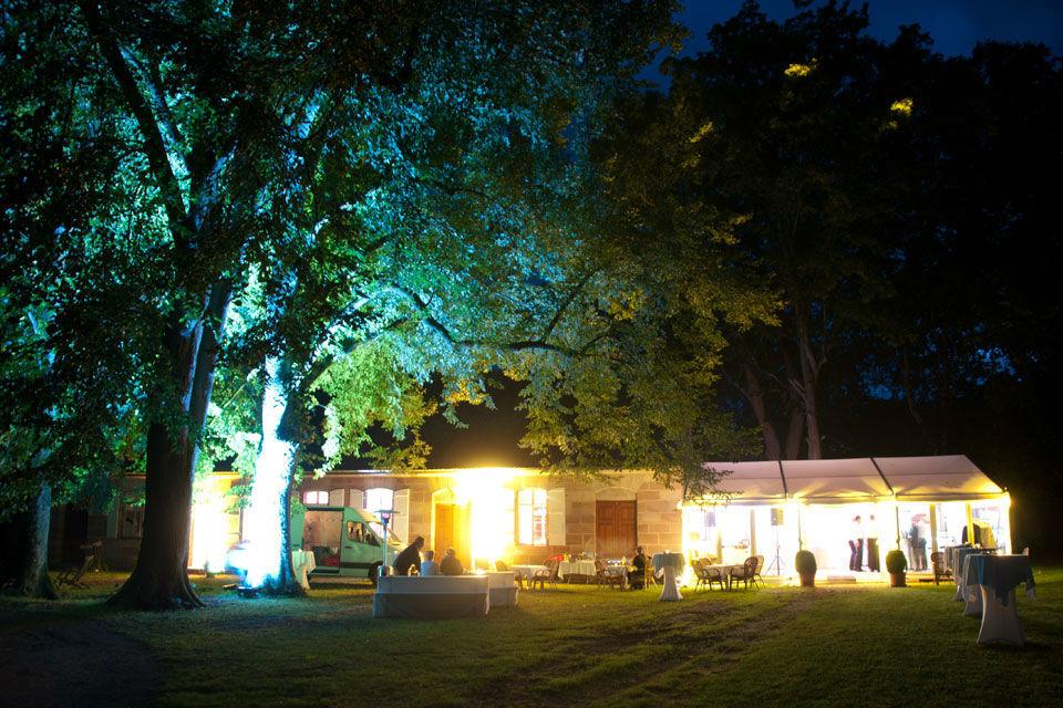 Beispiel: Ambiente am Abend, Foto:  GenussRäume der SchulerGruppe - Schloss Dürrenmungenau.