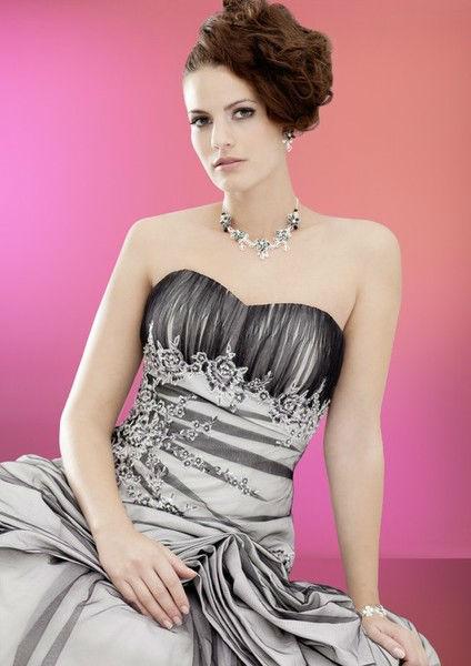 Beispiel: Seien Sie der Star auf Ihrer Hochzeit, Foto: Atelier Manuela von Haldenwang.