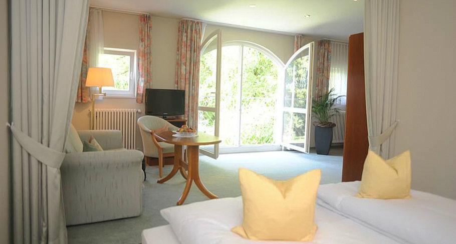 Beispiel: Hotelzimmer, Foto: Hotel Gasthaus Adler.