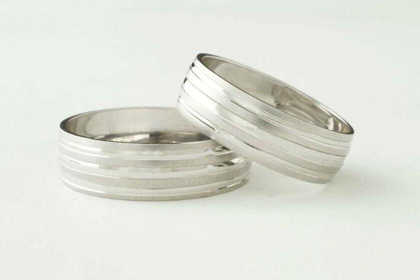 Argollas y anillos de compromiso - Foto Imperial Marring
