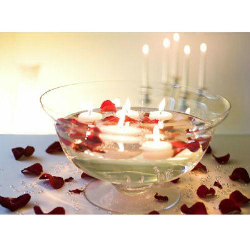 Beispiel: Passende Blumendekoration zu Ihrem Strauß, Foto: hochzeitsrosen.ch.