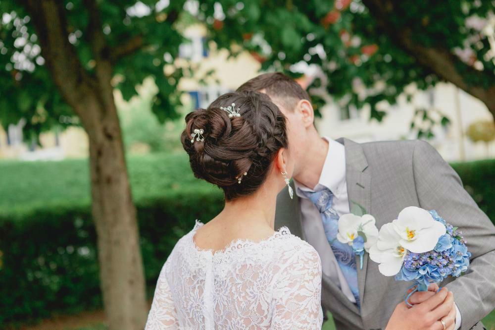 Beispiel: Brautfrisur, Foto: Indira Narkus.