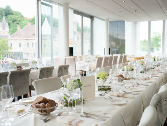Beispiel: Hochzeitstafel, Foto: Schlosshotel Eisenstrasse.