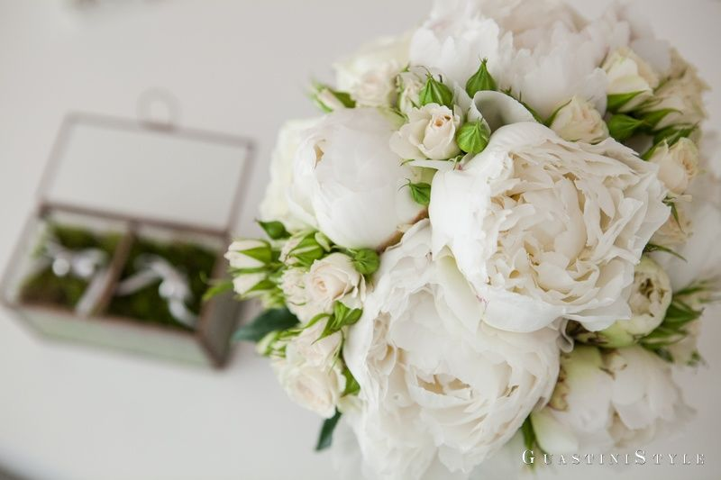 GuastiniStyle Weddings and Events _ bridal bouquet _ peonie _