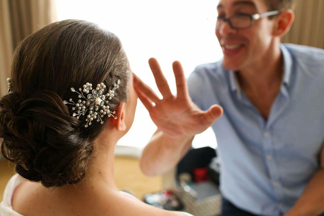 tocado diseñado especialmente a raíz de una pieza importante para la novia: los arete de su abuela!!!