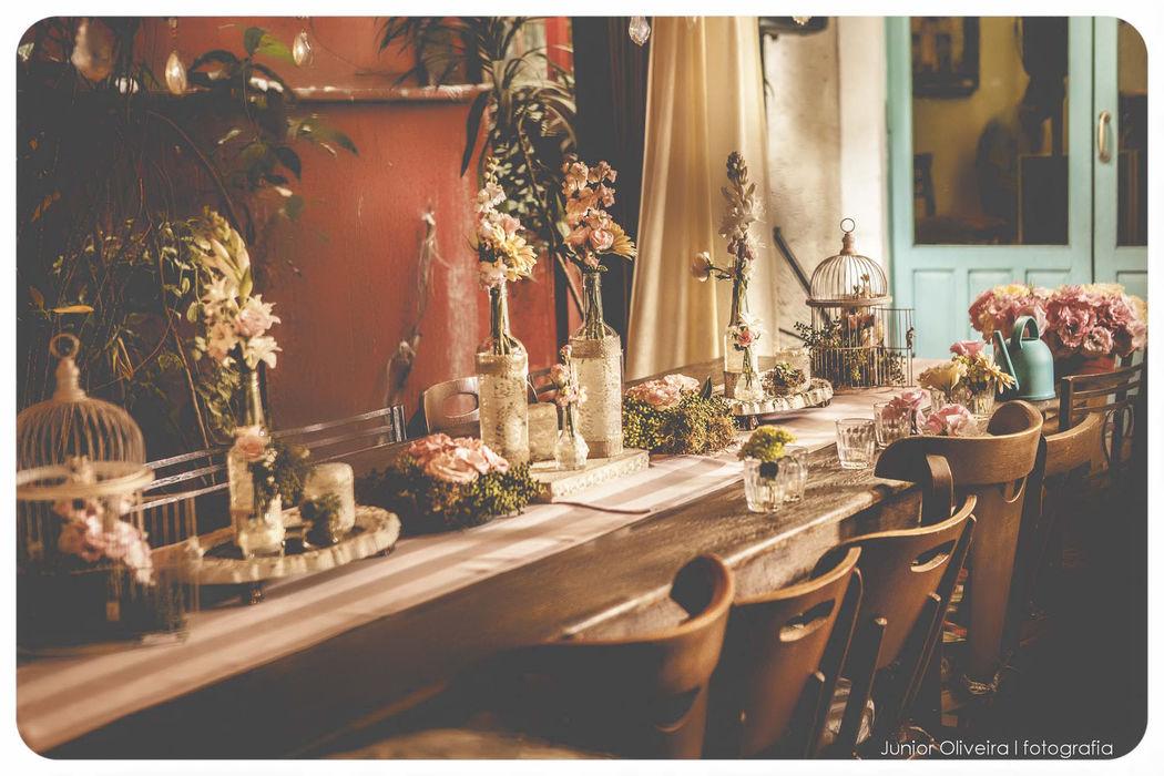 Mini Wedding Bistrô Ruella Projeto e Execução:  Leivas & Lourenço Wedding por Luciana Lourenço e Denise Leivas Fotografia: Junior Oliveira Fotografia