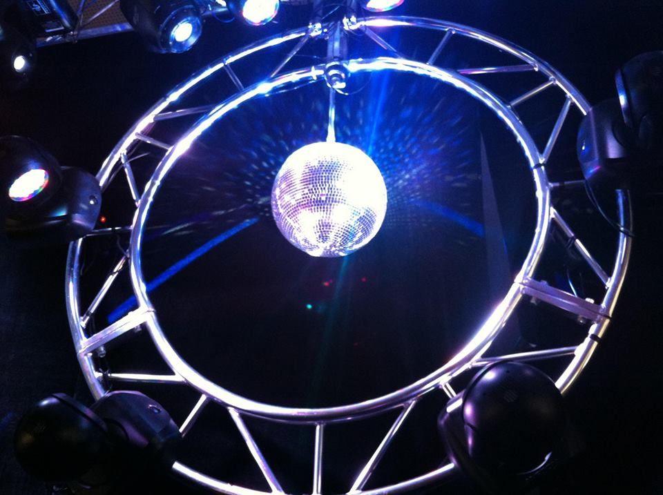 Iluminação e Estruturas | Lighting and Structures