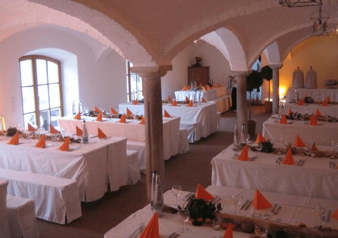 Beispiel: Hochzeitstafel im Gewölbe, Foto: Gut Thurnsberg.