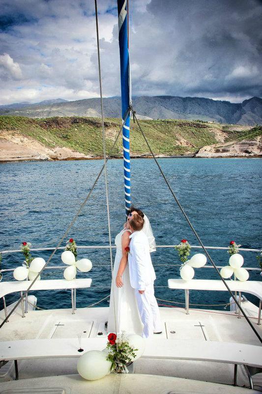 Beispiel: Romantische Katamaran-Hochzeit, Foto: Hochzeitswerkstatt.