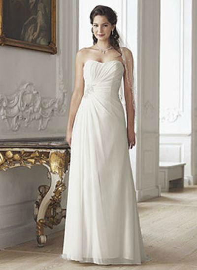 Beispiel: Trägerloses Brautkleid, Foto: Le Chat.