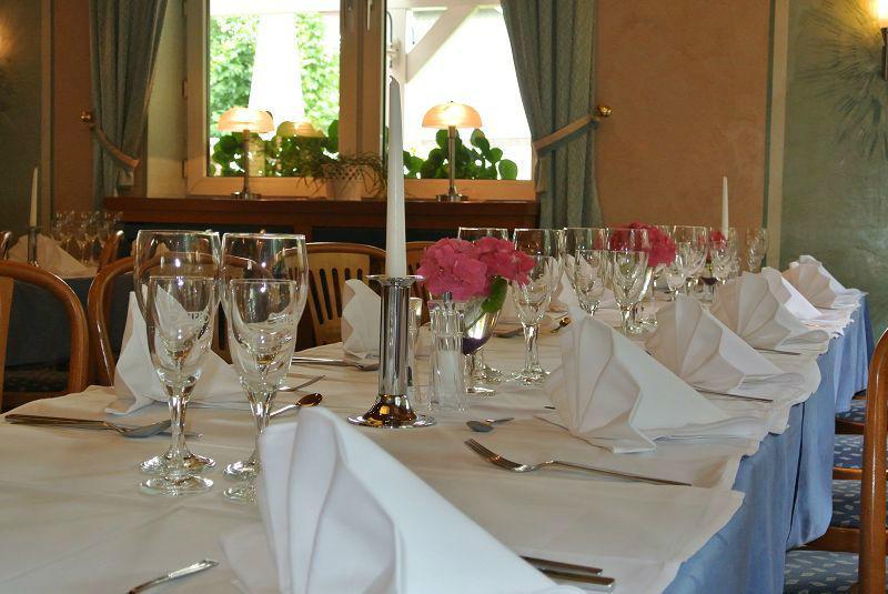 Beispiel: Tischgedeck, Foto: Restaurant Prinzenquelle.