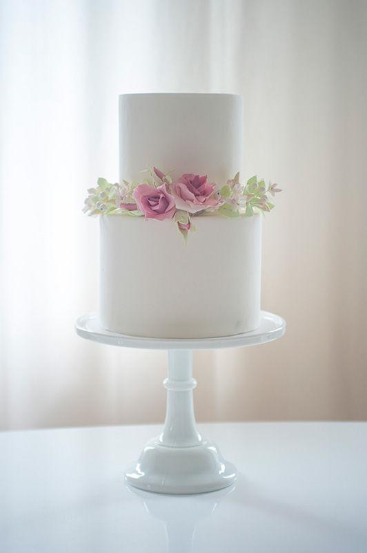 Wedding Cake Fondant mit Zuckerblumenkranz | Foto: Die Zuckerbäckerin